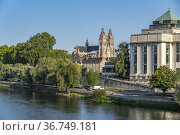 Library Bibliothèque Municipale de Tours, Loire river and Tours Cathedral... Стоковое фото, фотограф Peter Schickert / age Fotostock / Фотобанк Лори