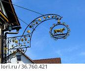 Maulbronn Zaisersweiher, Stadtteil Zaisersweiher, Schild: Gasthaus... Стоковое фото, фотограф Zoonar.com/Bildagentur Geduldig / easy Fotostock / Фотобанк Лори