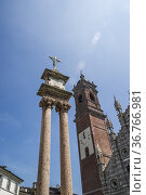 Columns with cross in Piazza Duomo, Monza, Lombardy, Italy. Стоковое фото, фотограф Arthur S. Ruffino / age Fotostock / Фотобанк Лори