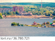 construction of the embankment on the Nizhny Tagil pond On a sunny summer day. Стоковое фото, фотограф Акиньшин Владимир / Фотобанк Лори