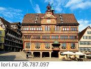 Aufnahme des Rathauses in der Tübinger Altstadt. Стоковое фото, фотограф Zoonar.com/Cleo / easy Fotostock / Фотобанк Лори