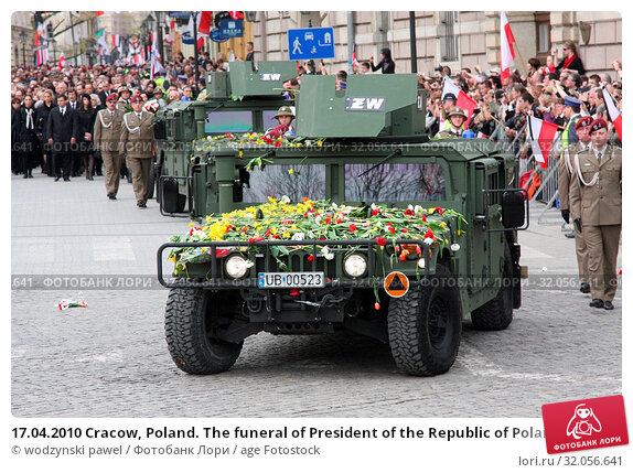 17.04.2010 Cracow, Poland. The funeral of President of the Republic of Poland Lech Kaczynski and his wife Maria. They died in the Smolensk crash. Редакционное фото, фотограф wodzynski pawel / age Fotostock / Фотобанк Лори