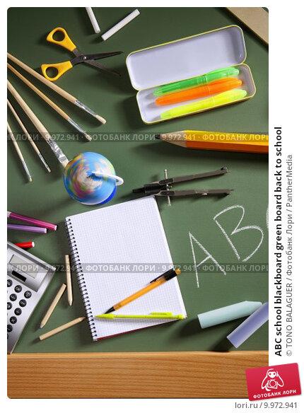 ABC school blackboard green board back to school. Стоковое фото, фотограф TONO BALAGUER / PantherMedia / Фотобанк Лори