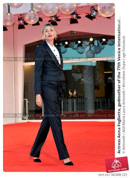Actress Anna Foglietta, godmother of the 77th Venice International... Редакционное фото, фотограф Antonelli / AGF/Maria Laura Antonelli / age Fotostock / Фотобанк Лори