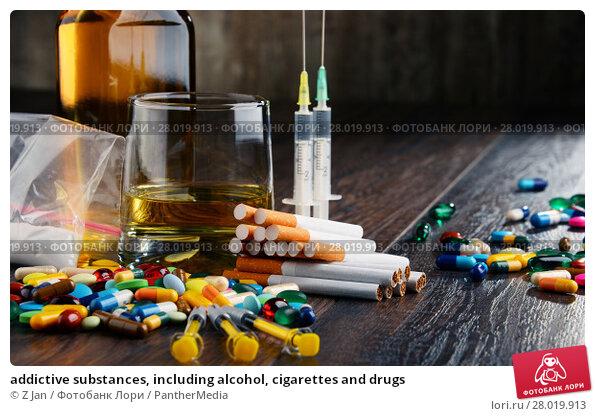 Купить «addictive substances, including alcohol, cigarettes and drugs», фото № 28019913, снято 10 февраля 2019 г. (c) PantherMedia / Фотобанк Лори