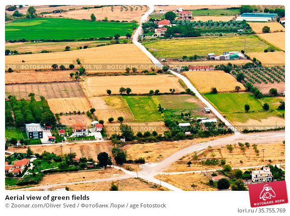 Aerial view of green fields. Стоковое фото, фотограф Zoonar.com/Oliver Sved / age Fotostock / Фотобанк Лори