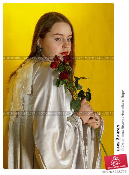 Купить «Белый ангел», фото № 242717, снято 29 марта 2008 г. (c) Смирнова Лидия / Фотобанк Лори