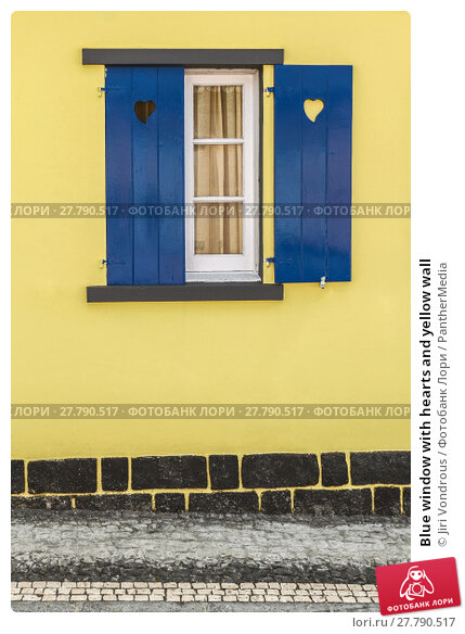 Купить «Blue window with hearts and yellow wall», фото № 27790517, снято 20 апреля 2019 г. (c) PantherMedia / Фотобанк Лори
