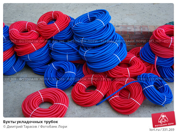Купить «Бухты укладочных трубок», фото № 331269, снято 20 июня 2008 г. (c) Дмитрий Тарасов / Фотобанк Лори