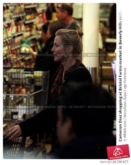 Купить «Cameron Diaz shopping at Bristol Farms market in Beverly Hills with her husband Benji Madden Featuring: Cameron Diaz Where: Los Angeles, California, United States When: 27 Dec 2016 Credit: WENN.com», фото № 28700677, снято 27 декабря 2016 г. (c) age Fotostock / Фотобанк Лори