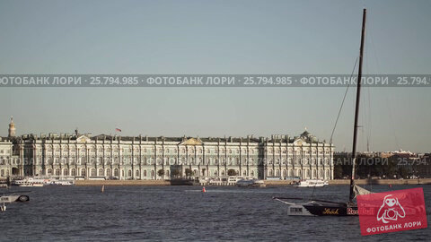 Centre of Saint-Petersburg, Russia: River Neva, State Hermitage, видеоролик № 25794985, снято 1 марта 2016 г. (c) Алексей Макаров / Фотобанк Лори