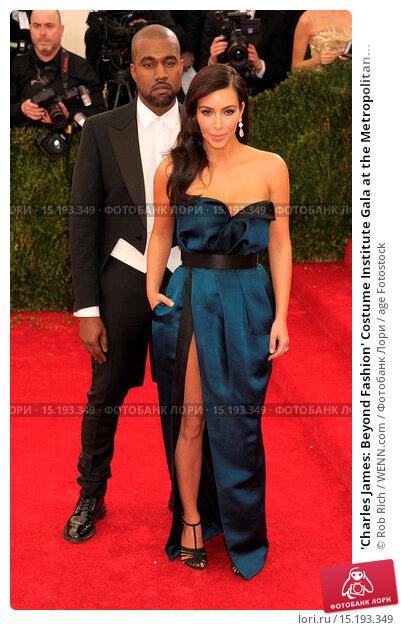 Купить «'Charles James: Beyond Fashion' Costume Institute Gala at the Metropolitan Museum of Art - Outside Arrivals Featuring: Kanye West,Kim Kardashian Where...», фото № 15193349, снято 5 мая 2014 г. (c) age Fotostock / Фотобанк Лори