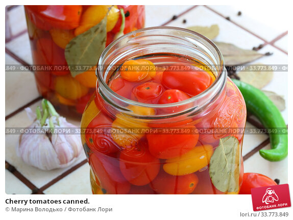 Купить «Cherry tomatoes canned.», фото № 33773849, снято 17 мая 2020 г. (c) Марина Володько / Фотобанк Лори