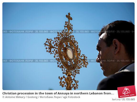 Christian procession in the town of Annaya in northern Lebanon from... Стоковое фото, фотограф Antoine Mekary / Godong / age Fotostock / Фотобанк Лори