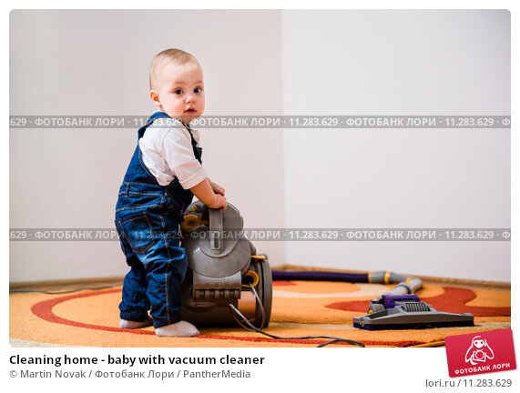 Купить «Cleaning home - baby with vacuum cleaner», фото № 11283629, снято 29 января 2020 г. (c) PantherMedia / Фотобанк Лори