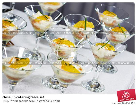 Купить «close-up catering table set», фото № 28664321, снято 25 сентября 2014 г. (c) Дмитрий Калиновский / Фотобанк Лори