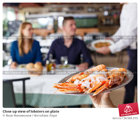 Close up view of lobsters on plate. Стоковое фото, фотограф Яков Филимонов / Фотобанк Лори