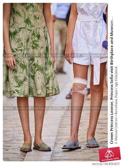 Crown Princess Leonor, Princess Sofia visit Birthplace and Museum... Редакционное фото, фотограф Manuel Cedron / age Fotostock / Фотобанк Лори