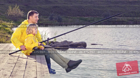 Купить «Dad and son are fishing on the lake», видеоролик № 26475997, снято 23 ноября 2019 г. (c) Raev Denis / Фотобанк Лори