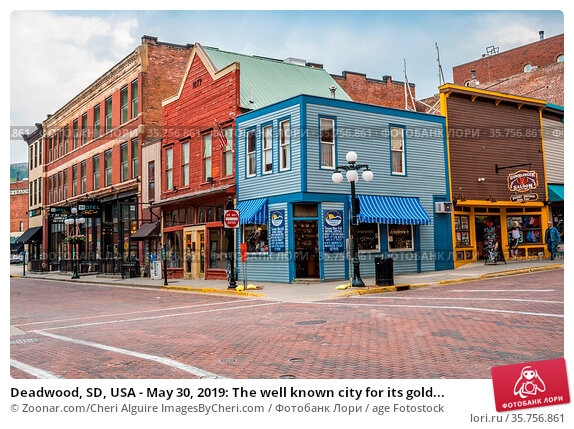 Deadwood, SD, USA - May 30, 2019: The well known city for its gold... Стоковое фото, фотограф Zoonar.com/Cheri Alguire ImagesByCheri.com / age Fotostock / Фотобанк Лори