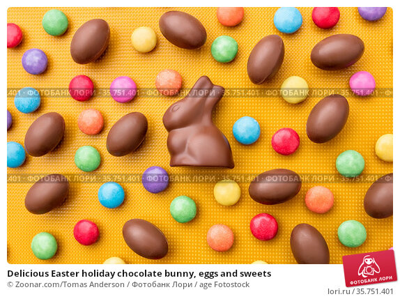 Delicious Easter holiday chocolate bunny, eggs and sweets. Стоковое фото, фотограф Zoonar.com/Tomas Anderson / age Fotostock / Фотобанк Лори