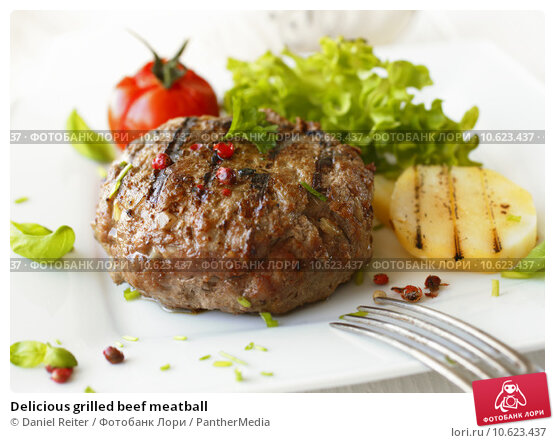 Delicious grilled beef meatball. Стоковое фото, фотограф Daniel Reiter / PantherMedia / Фотобанк Лори