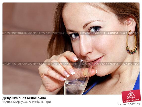 Эми пьёт сперму литрами нет
