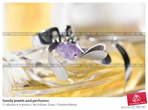 Купить «family jewels and perfumes», фото № 27785757, снято 20 октября 2018 г. (c) PantherMedia / Фотобанк Лори