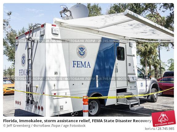 Купить «Florida, Immokalee, storm assistance relief, FEMA State Disaster Recovery Center centre, communications truck, mobile response unit,», фото № 28745985, снято 26 сентября 2017 г. (c) age Fotostock / Фотобанк Лори