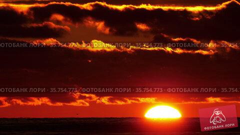 Full sunset time lapse. Стоковое видео, видеограф Игорь Жоров / Фотобанк Лори