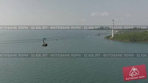 Купить «Funicular cable car on Phu Quoc Island to Hon Thom Pineapple Island in Vietnam», видеоролик № 32426397, снято 4 ноября 2019 г. (c) Aleksejs Bergmanis / Фотобанк Лори