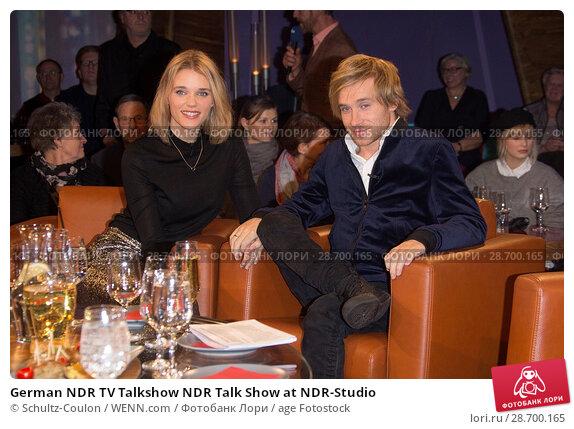 Купить «German NDR TV Talkshow NDR Talk Show at NDR-Studio Featuring: Elena Timpe, Samuel Koch Where: Hamburg, Germany When: 27 Dec 2016 Credit: Schultz-Coulon/WENN.com», фото № 28700165, снято 27 декабря 2016 г. (c) age Fotostock / Фотобанк Лори