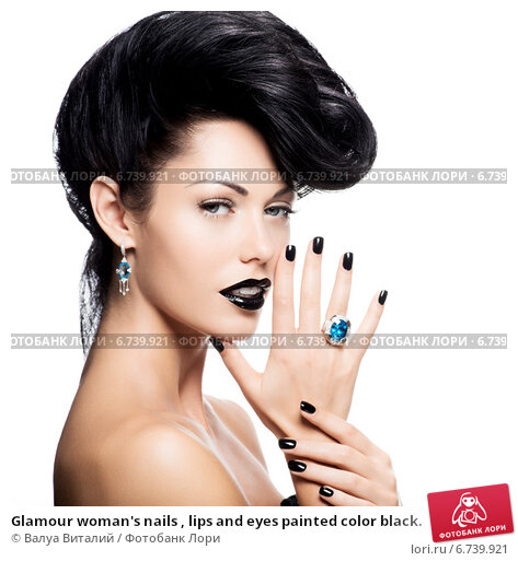 Купить «Glamour woman's nails , lips and eyes painted color black.», фото № 6739921, снято 18 декабря 2013 г. (c) Валуа Виталий / Фотобанк Лори