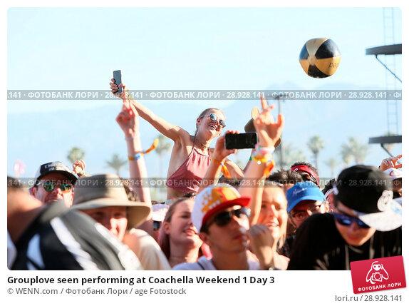 Купить «Grouplove seen performing at Coachella Weekend 1 Day 3 Featuring: Atmosphere Where: Indio, California, United States When: 17 Apr 2017 Credit: WENN.com», фото № 28928141, снято 17 апреля 2017 г. (c) age Fotostock / Фотобанк Лори