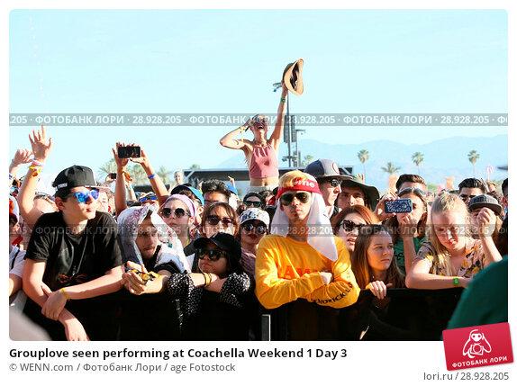 Купить «Grouplove seen performing at Coachella Weekend 1 Day 3 Featuring: Atmosphere Where: Indio, California, United States When: 17 Apr 2017 Credit: WENN.com», фото № 28928205, снято 17 апреля 2017 г. (c) age Fotostock / Фотобанк Лори