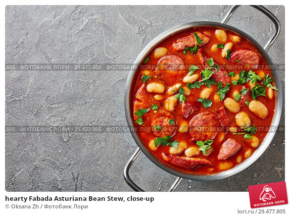 Купить «hearty Fabada Asturiana Bean Stew, close-up», фото № 29477805, снято 20 ноября 2018 г. (c) Oksana Zh / Фотобанк Лори