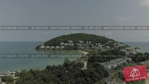 Купить «Hotels and Luxury resorts on Phu Quoc Island in Vietnam 4K Drone shot», видеоролик № 32391873, снято 5 ноября 2019 г. (c) Aleksejs Bergmanis / Фотобанк Лори
