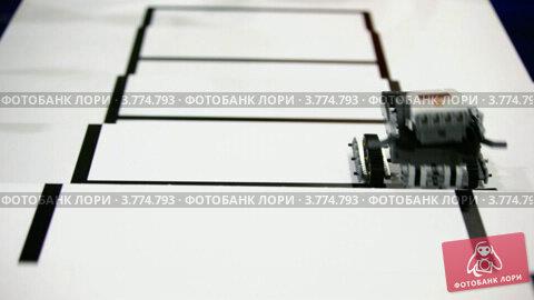 Купить «Игрушка робот забирается по лестнице, но падает и некоторые части отваливаются», видеоролик № 3774793, снято 4 февраля 2012 г. (c) Losevsky Pavel / Фотобанк Лори