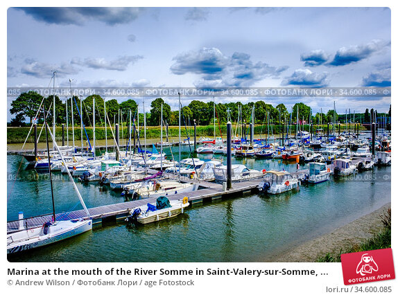 Marina at the mouth of the River Somme in Saint-Valery-sur-Somme, ... Стоковое фото, фотограф Andrew Wilson / age Fotostock / Фотобанк Лори