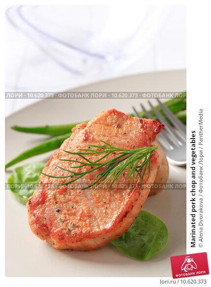 Marinated pork chop and vegetables. Стоковое фото, фотограф Alena Dvorakova / PantherMedia / Фотобанк Лори