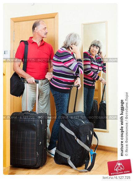 Купить «mature couple with luggage», фото № 6127725, снято 26 ноября 2019 г. (c) Яков Филимонов / Фотобанк Лори