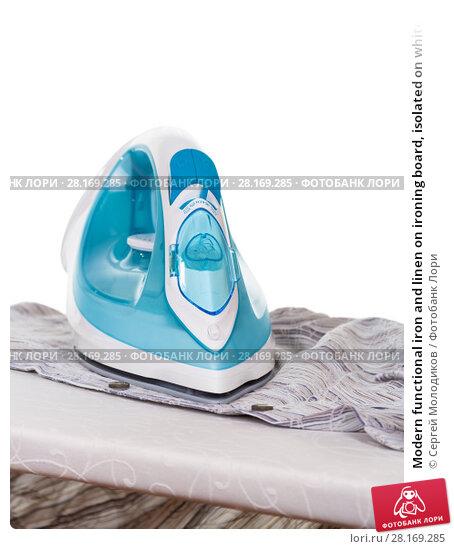 Купить «Modern functional iron and linen on ironing board, isolated on white», фото № 28169285, снято 14 марта 2016 г. (c) Сергей Молодиков / Фотобанк Лори