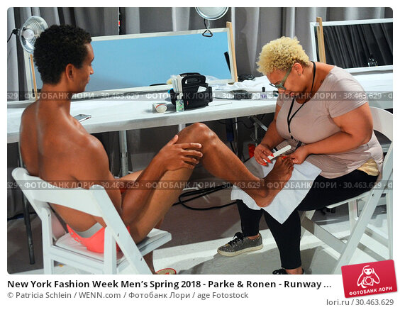 New York Fashion Week Men's Spring2018 - Parke & Ronen - Runway ... (2017 год). Редакционное фото, фотограф Patricia Schlein / WENN.com / age Fotostock / Фотобанк Лори