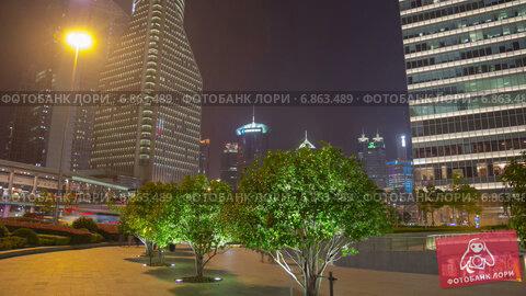 Купить «Ночная прогулка по Пудонгу, Шанхай, таймлапс», видеоролик № 6863489, снято 26 июня 2014 г. (c) Кирилл Трифонов / Фотобанк Лори