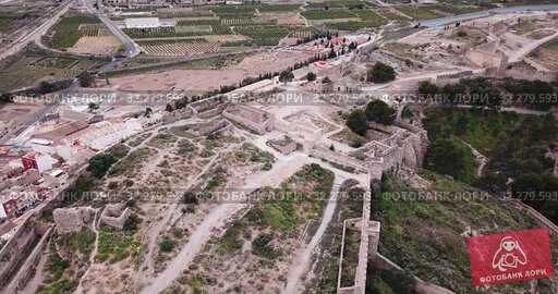 Купить «Panoramic view from drone of the castle Sagunto in summer. Valencian Community; Spain», видеоролик № 32279593, снято 19 марта 2019 г. (c) Яков Филимонов / Фотобанк Лори