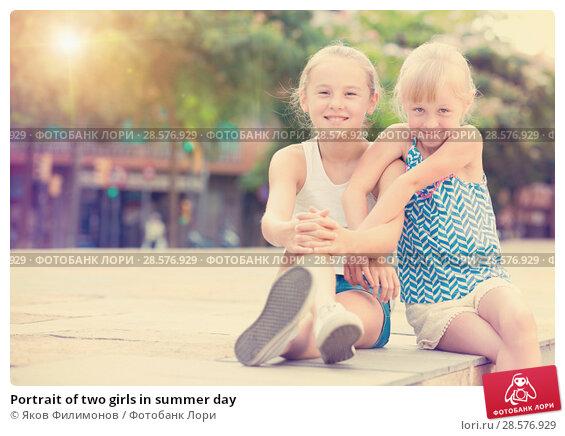 Купить «Portrait of two girls in summer day», фото № 28576929, снято 20 июля 2017 г. (c) Яков Филимонов / Фотобанк Лори