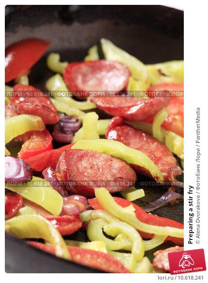 Preparing a stir fry. Стоковое фото, фотограф Alena Dvorakova / PantherMedia / Фотобанк Лори