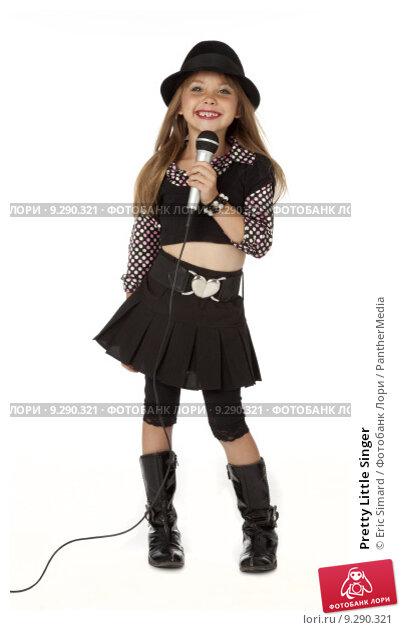 Купить «Pretty Little Singer», фото № 9290321, снято 23 марта 2019 г. (c) PantherMedia / Фотобанк Лори