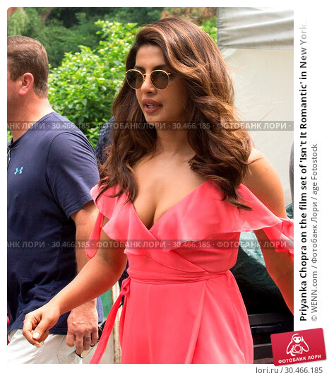 Priyanka Chopra on the film set of 'Isn't It Romantic' in New York... (2017 год). Редакционное фото, фотограф WENN.com / age Fotostock / Фотобанк Лори