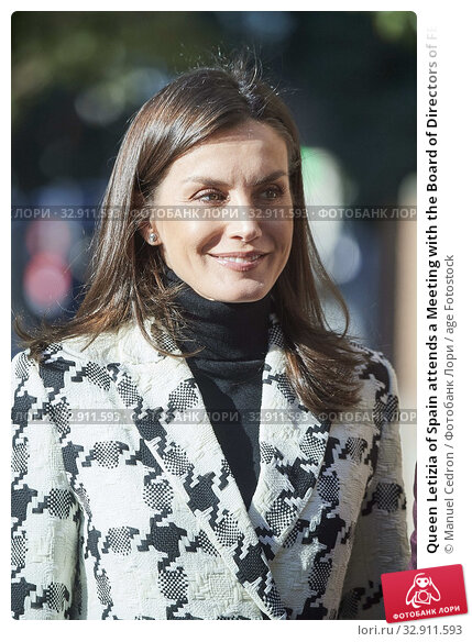 Queen Letizia of Spain attends a Meeting with the Board of Directors of FEDER at Feder offices on January 9, 2020 in Madrid, Spain. Редакционное фото, фотограф Manuel Cedron / age Fotostock / Фотобанк Лори